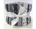 Ritz Black & Whites: 22 Piece Jelly Roll – 2.5 Inch Strips