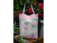 "Tail Feather Bag Pattern by Sally Giblin 15"" x 24"""